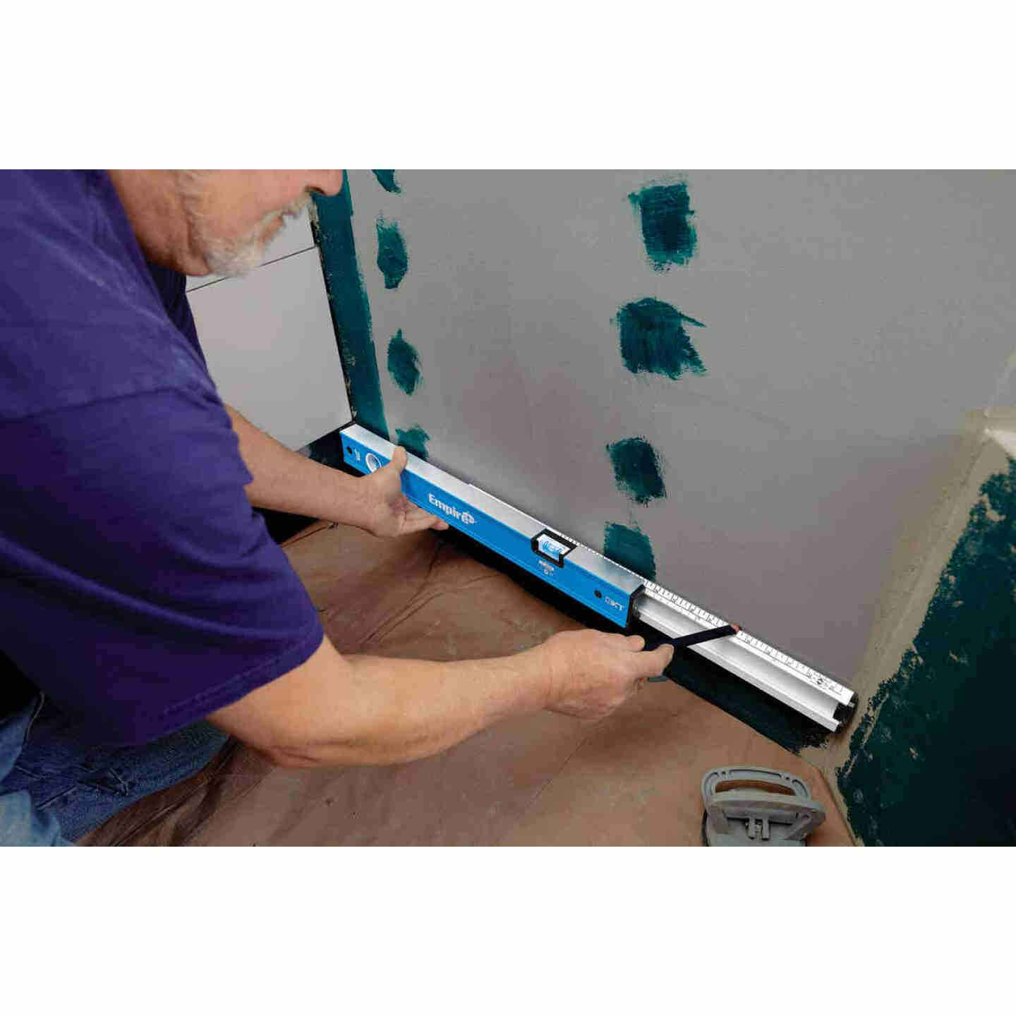 Empire True Blue 24 In. to 40 In. Aluminum Extendable Box Level Image 2